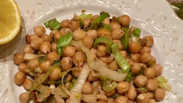 Garbanzo Beans & Leeks