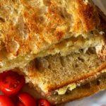 Cheddar Grilled Cheese Sandwich